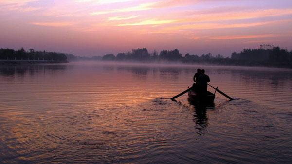 胶河的早晨 王欣 摄