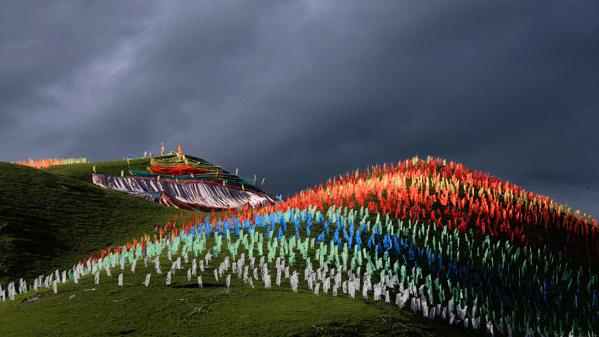 《彩色世界》作者:根秋多吉摄