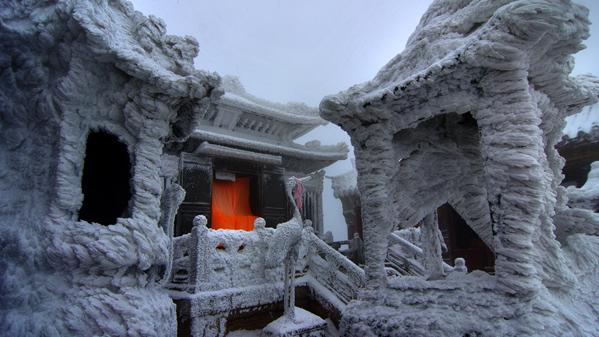 冰天雪地显神灵-魏建明