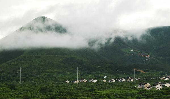 云雾缭绕-季卫秋