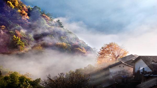 《梦幻山乡》 吴志刚 摄
