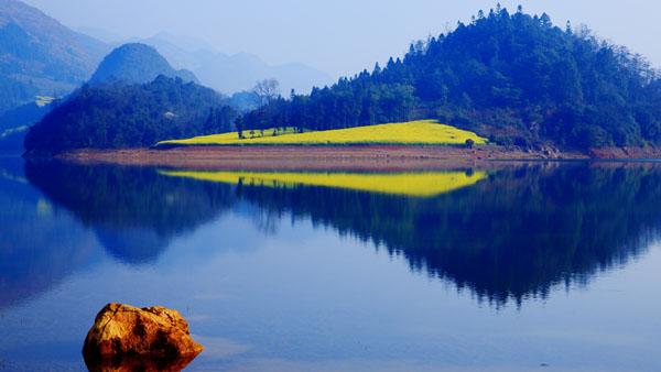 湖之境像 莫增幸 摄