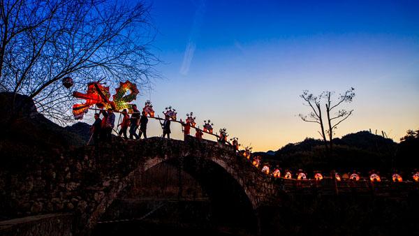 国家级非物质文化遗产《浦江板凳龙》 吴拥军 摄