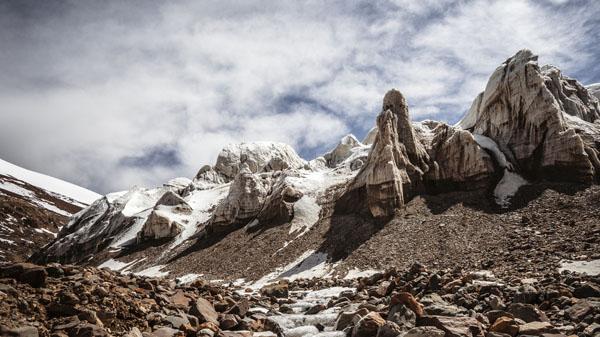 玉珠冰川 周刚建 摄