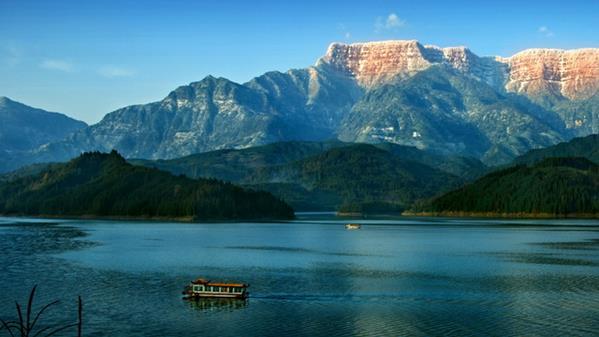 雅女湖之晨  尹霜林 摄