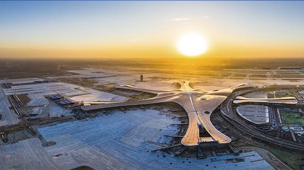 《新机场》-杨大维 摄