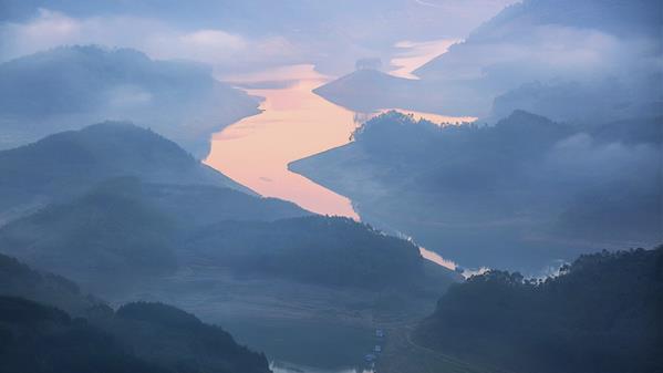 雾 张华 摄