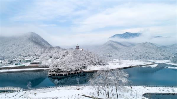 雪霁龙吟湖 吴玲 摄
