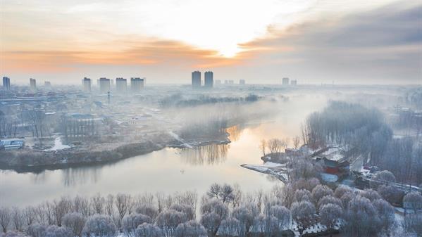 清河两岸看雄州 郑前 摄