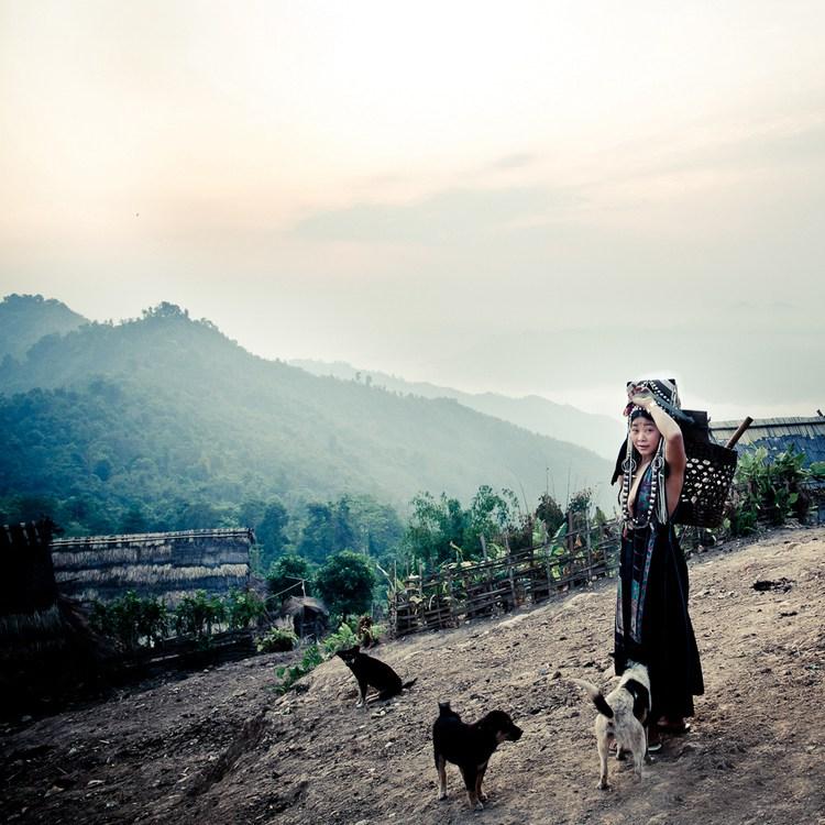【西部快门】神秘的东方印第安人-老挝阿卡露奶族摄影团