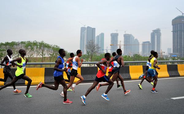 2015义乌马拉松赛(组4)-吴琅庆-首届中国义乌国际摄影大展入展作品