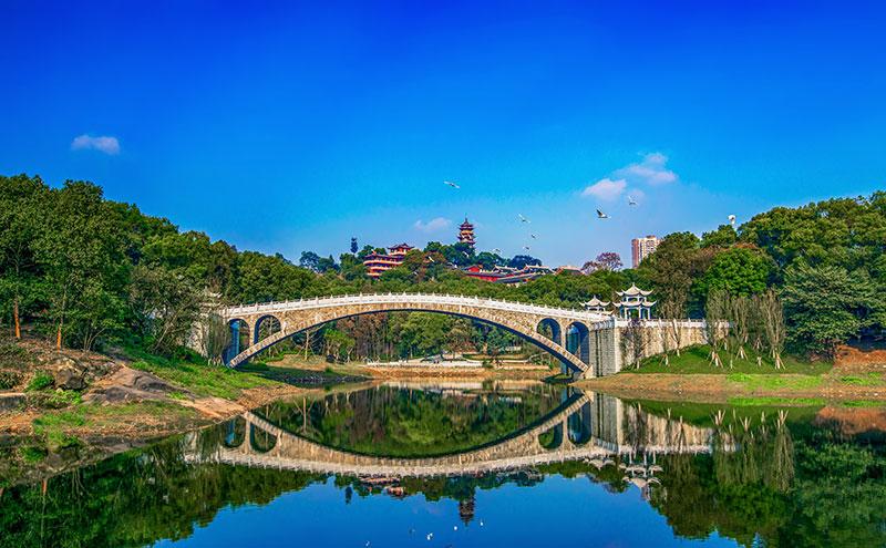 重庆市九龙坡区华岩旅游风景区