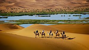 大漠风光 戈壁神韵——内蒙古自治区阿拉善左旗腾格里沙漠月亮湖