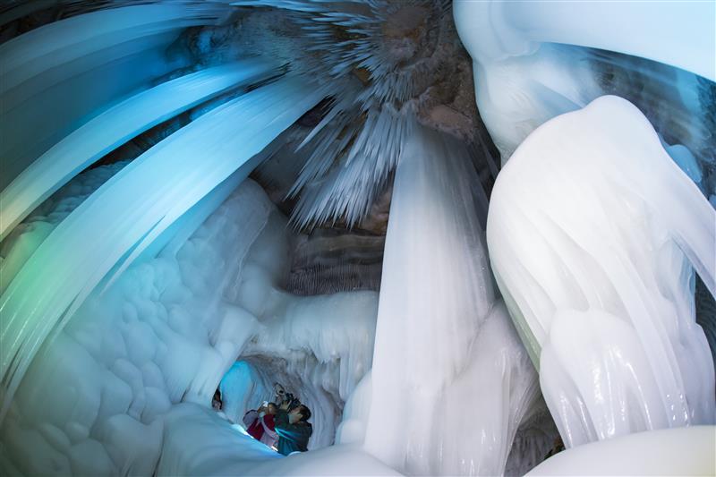 山西忻州万年冰洞