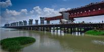 建设中的三门大桥