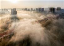 云雾奔福地