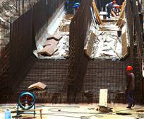 建设中东湖涵洞工地