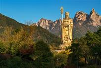 《九华山地藏菩萨露天铜像》