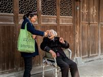 嵩溪村的幸福老人